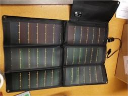 Foldable solar panel charger, for Thuraya & Iridium