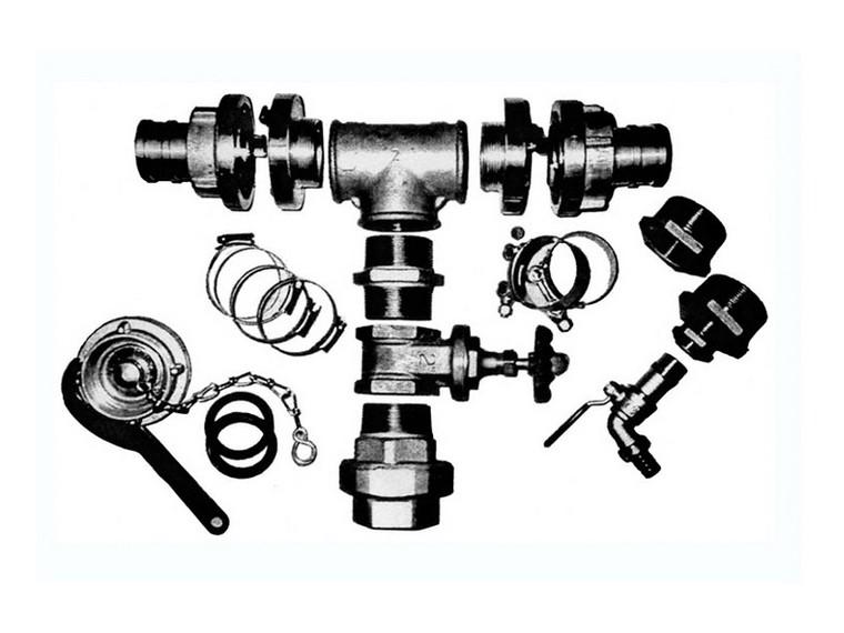 Flexible water tank fittings kit